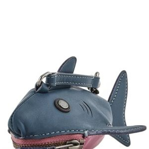 "COACH ""sharky"" coin purse"